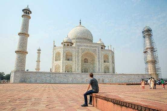 Facebook Founder and CEO visits Taj Mahal