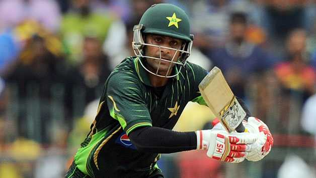 Mohammad Hafeez's century helps Pakistan beat England by 6 wickets at Abu Dhabi in 1st ODI