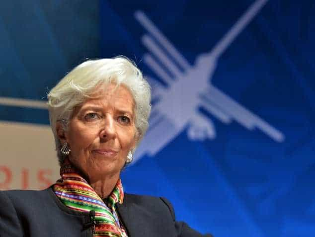 International Monetary Fund: Leader of Organization Encourages Gulf to Adjust Budgets Amid Oil Price Fall
