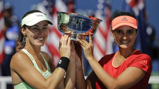 Sania Mirza and Martina Hingis win Australian Open women's doubles title