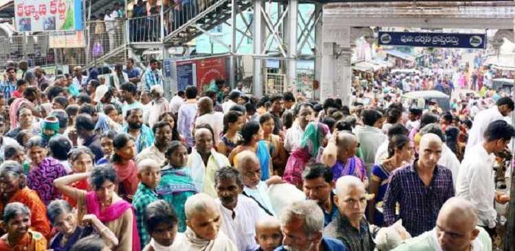 Devotees arrive by thousands -mini jataras