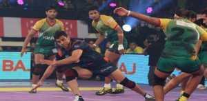 Pro Kabaddi: Patna Pirates keep their unbeaten run intact; overcome Bengal Warriors 32-27