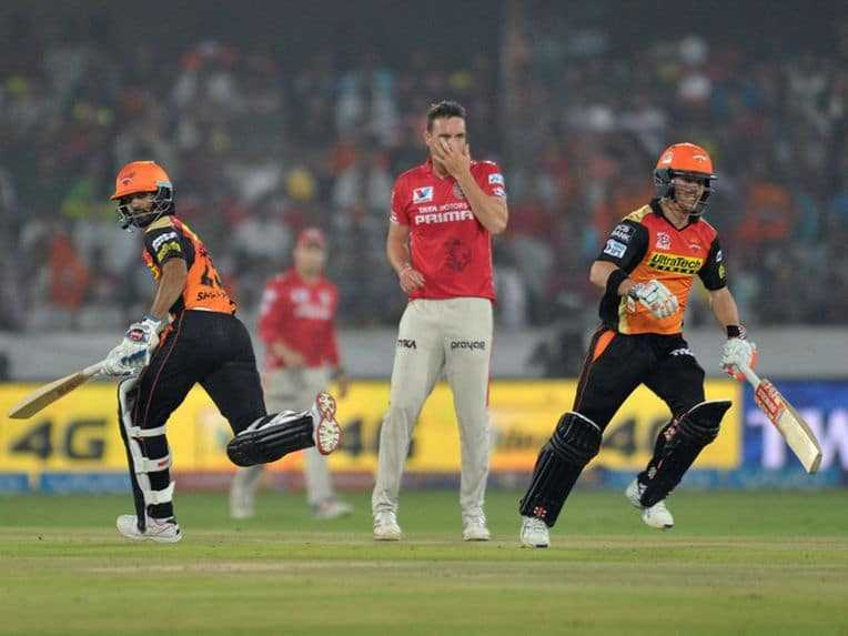 Kings XI Punjab vs Sunrisers Hyderabad IPL 2016 Live Cricket Score: KXIP Off to Steady Start