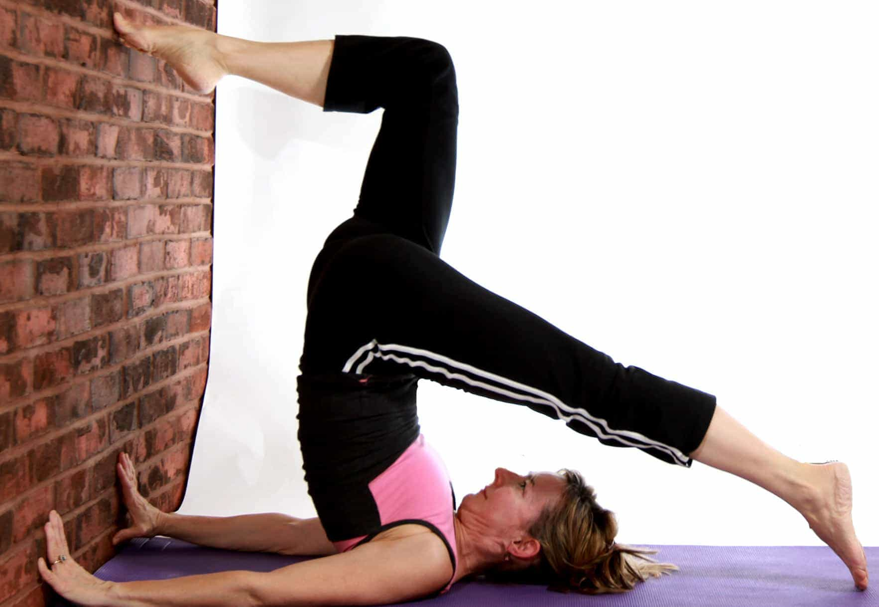 Yoga Poses At Work Against The Wall 2016 Todayz News