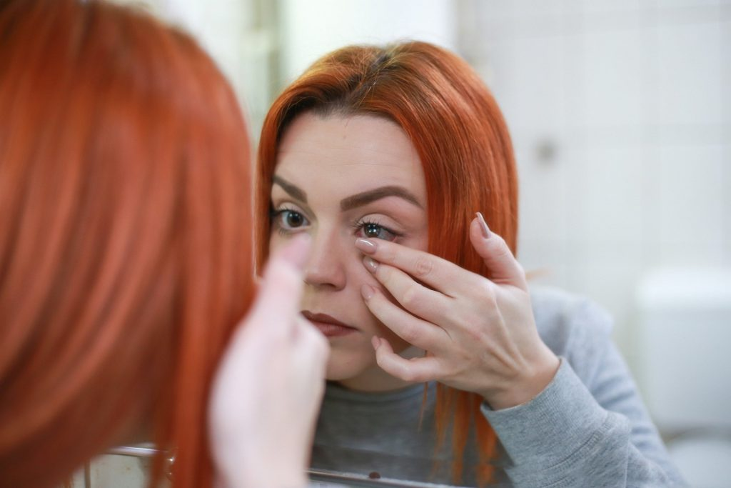 Contact Lens Care and Safety Tips