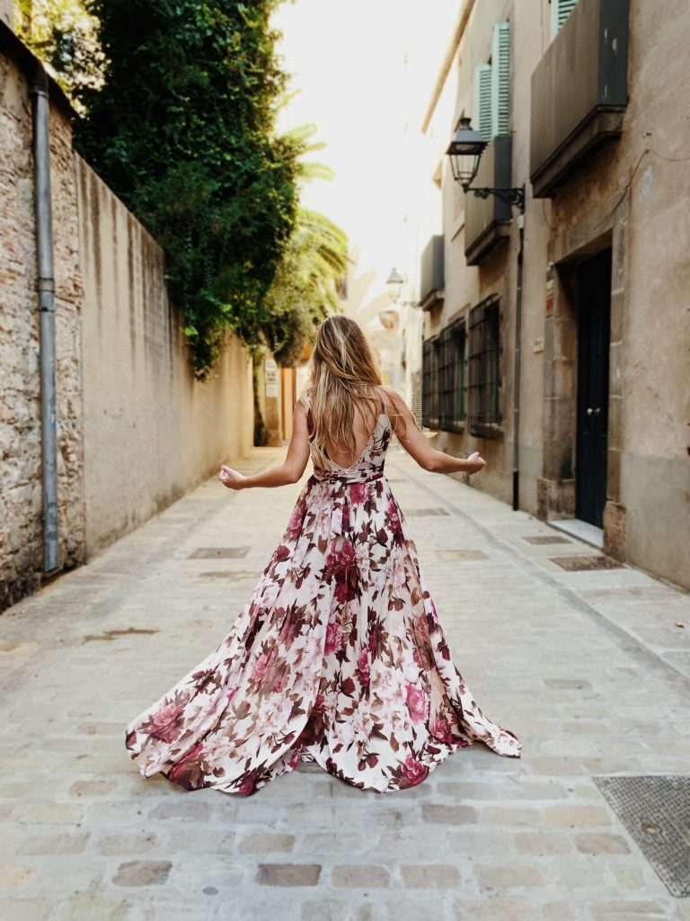 Tips to Wear a Floral Print Dress