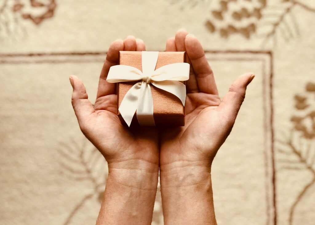 Send a gift box