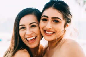 5 Actually Useful Hacks to Have Whiter Teeth